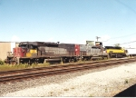 SU-100, with three SD40T-2's, sets its cars off at Mt Vernon st on the MC tracks